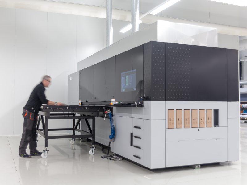 Impresora digital P5 250 HS en la emrpresa Kendu In-Store